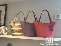 新商品が入荷しました。(人気のバケツバック) - Sota Cambodia Silk (ソウタ カンボジア シルク カンボジアシルク雑貨のお店)