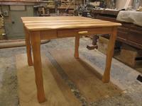 引出し、小天板付きのテーブル900×900×H700 - MAGINU STYLE by Art Furniture Gallery
