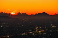 日の出を多重露光で実験中(^-^;・・・今朝も筑波山をモデルに♪ - 『私のデジタル写真眼』