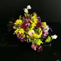 2月定期レッスン クラッチブーケ、春爛漫で 3月15日突然おまけレッスン - 一会 ウエディングの花