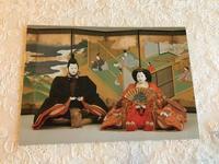 三井記念美術館で三井家のおひなさま展 - やさしい光のなかで