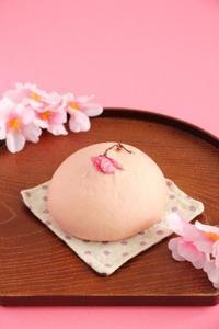 春です♪桜とクリームチーズのあんぱん - Takacoco Kitchen