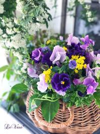 春の小花を集めたミルフルールブーケ - Le vase*  diary 横浜元町の花教室
