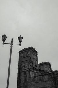 丘の上の廃墟 -   Okimu