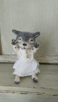 DearBear目黒店に行くシュシュたち - Aki  ~羊毛のオオカミたち~
