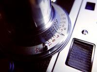 オールドレンズの味わい(赤エルマー) - 絵で見るカメラ + plus