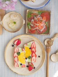 いちごサンドの朝ごはん - 陶器通販・益子焼 雑貨手作り陶器のサイトショップ 木のねのブログ