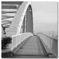 #2126 橋の向こう - at the port
