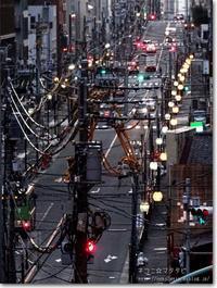【と】都会のゴチャゴチャ:とかいのごちゃごちゃ - ネコニ☆マタタビ