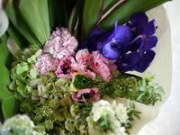 お供えの花束。2017/03/12。 - 札幌 花屋 meLL flowers