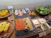 朝食。インターコンチネンタル大阪。更に大阪東洋陶器博物館へ。 - rodolfoの決戦=血栓な日々