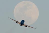 相棒、月と絡む - おやじくん乗り物写真