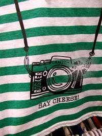 カメラ柄のTシャツも当たり前になりましたね。 - ぴよどらカメラ堂