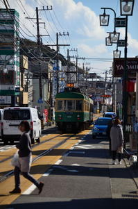 江ノ電 そこのけそこのけ列車が通る - 風の香に誘われて 風景のふぉと缶