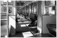 閑散とした電車 - BobのCamera