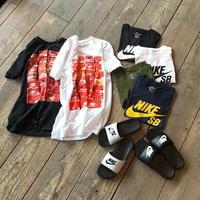 手軽に都会的なスポーツ感を取り込める新作のTシャツを使ったコーディネート。 - CHARGER JOURNAL