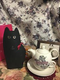 黒猫が 箔押し エンボス ダイカット - 朝寝・夜更かし・つまみ食い