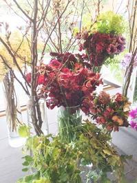 斎藤由美先生デモンストレーション 花材編 - お花に囲まれて