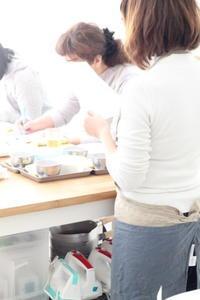 まっ赤ないちごのロールケーキ♡ - パンとアイシングクッキー、マシュマロフォンダントの教室 launa