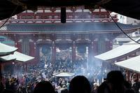 浅草寺の境内で「金龍」が舞いました(浅草寺、金龍の舞) - 旅プラスの日記