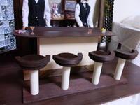 工作その2:バーカウンターの椅子 - 粘土天国