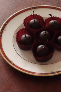 キルシュ漬けのサクランボのチョコレート『スリーズ・ア・ロ・ドゥ・ヴィ』 - Baking Daily@TM5