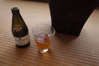 休日の朝からビール - もるとゆらじお