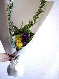 御命日に。水車町4にお届け。 - 札幌 花屋 meLL flowers