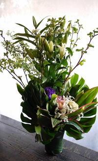 春のお彼岸に。青森県に発送。 - 札幌 花屋 meLL flowers