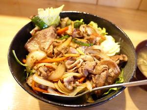 豚の生姜焼き丼 【茅ヶ崎 WA DINING ソラマメ】 - ぶらり湘南