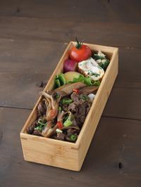 舞茸と牛ごぼうのしぐれ煮のせ弁当 - Delicatusib