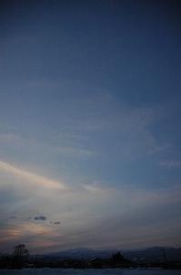 今日の夕暮れ 2017/03/05 17:28 - 空ヤ畑ノコトバカリ
