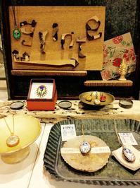 ヨーロッパビーズと切手のアクセサリーコレクション 開催中!<Fairy>宇根恵理さん&<grinte>小川知美さん - Hiroshima HH