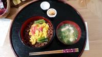そぼろご飯 - カナデるブログ