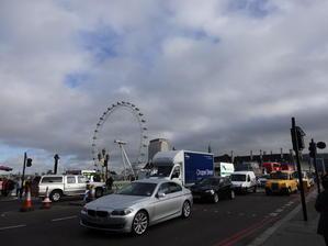 ロンドンでテロ - STERNNESS DUST α