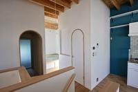 自然素材で仕上げた、木造2階建て住宅です。 - 家をつくることを考える仕事をしています。 Coo Planning
