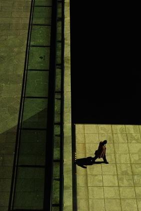 The man under the bridge - sudigital afterimage