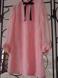 堂々と甘く ピンクのミニワンピース - LilyのSweet Style