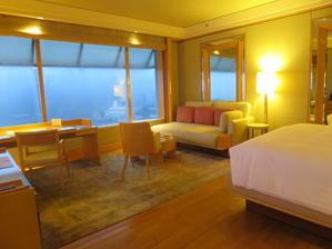 Ritz-Carlton Millenia Singapore - よく飲むオバチャン☆本日のメニュー