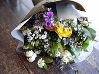ご結婚される方への花束。「グリーン、黄色、白系」。2017/03/20。 - 札幌 花屋 meLL flowers