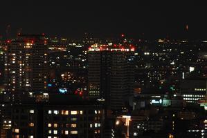 屋上の照明 - 熱田観測所