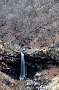 冬枯れの滝 - 風の香に誘われて 風景のふぉと缶
