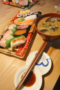 お寿司 - 週末は晴れても、雨でも