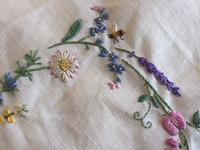 お花の刺しゅう - y-hygge