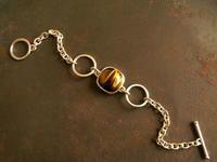 虎目石 チェーンブレスレット - 石と銀の装身具