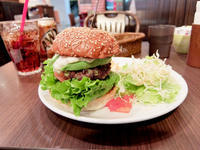 WAVES BURGER名駅店(名古屋駅) - avo-burgers ー アボバーガーズ ー