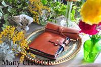 セミオーダー・イタリアンバケッタレザー・アリゾナ・ロディアメモ帳カバーとロールペンケース - 時を刻む革小物 Many CHOICE~ 使い手と共に生きるタンニン鞣しの革