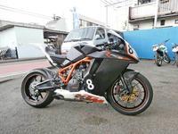 K西サン号 KTM RC8Rのタイヤ交換♪ - バイクパーツ買取・販売&バイクバッテリーのフロントロウ!