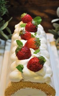 フルーツのロールケーキ - ミルクムーン