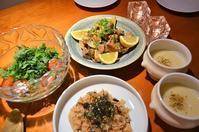 豚とアサリのアレンテージョ風/タコ飯/新玉ねぎのポタージュ/春菊とトマトのサラダ - まほろば日記